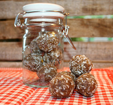 Peanut Butter & Date Energy Ball